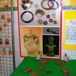 Empreintes_semelle_cloute2_et_amulettes_-_Copie